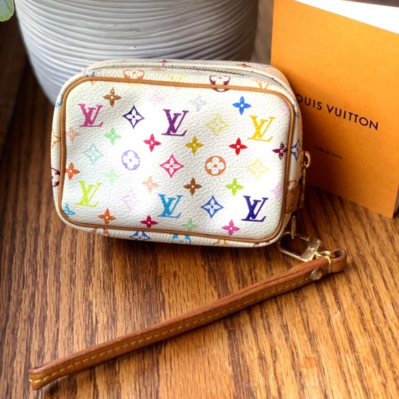 Louis Vuitton Handbags - Louis Vuitton wapity wristlet